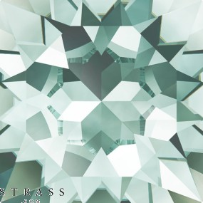 Swarovski Crystals 4470 Light Azore (361)